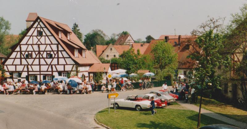 Gasthaus-Radlertreff-in-Gutenstetten-Biergarten